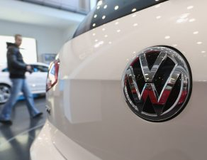 VW Windshield Auto Glass Replacement Recall