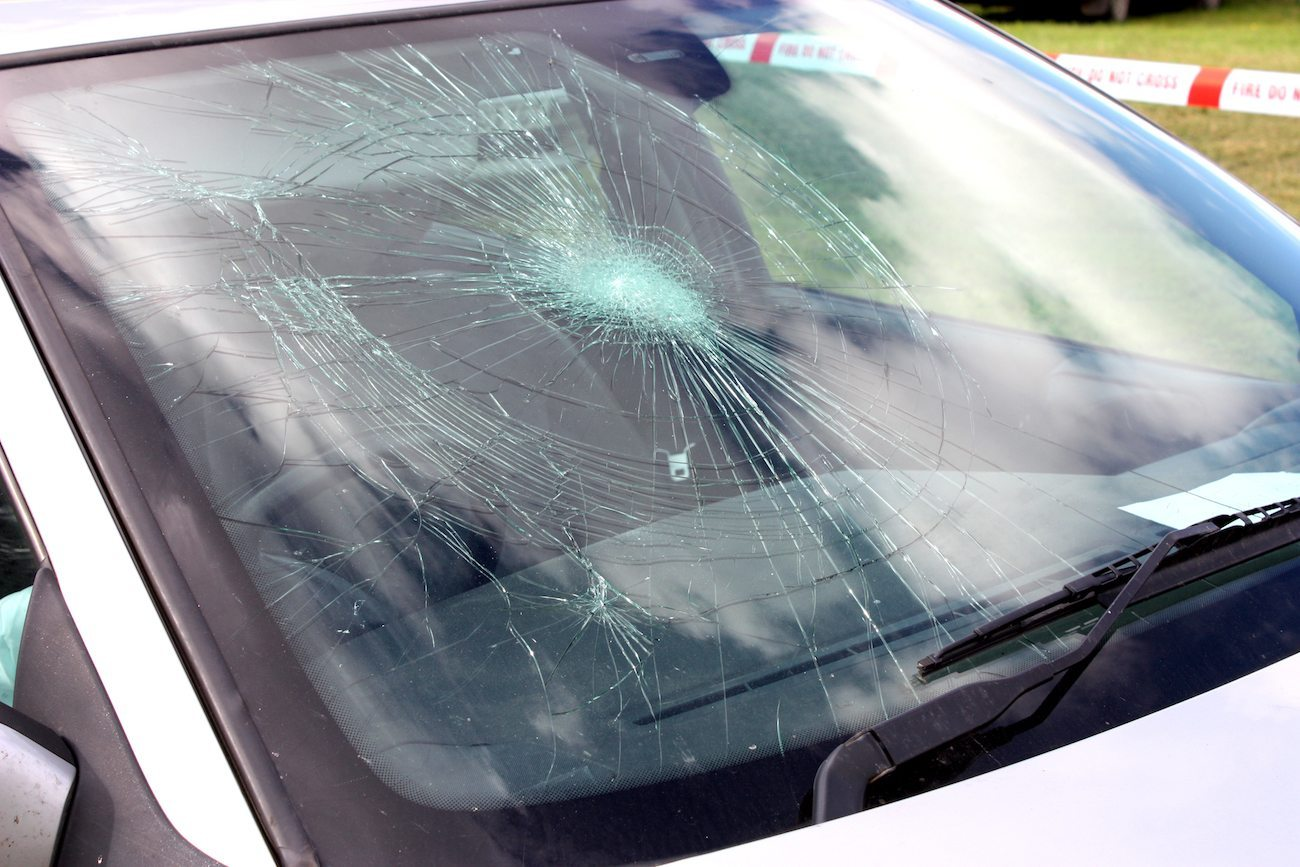 cracked windshield law washington state